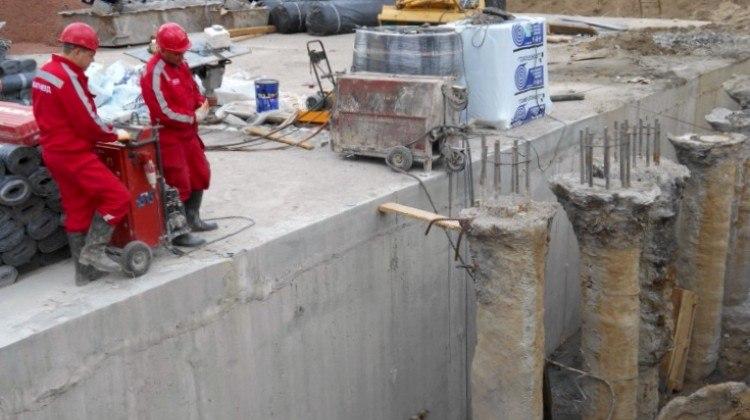 Пиление бетона стенорезной станком